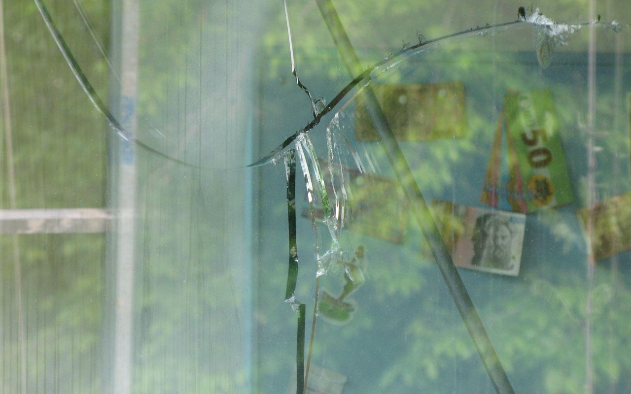 Kaputtes Glas - Glasreperatur