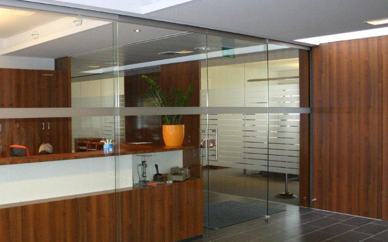 Glastrennwand im Bürobereich