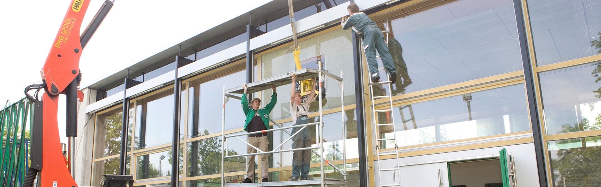 Glasreparatur an einer Schule